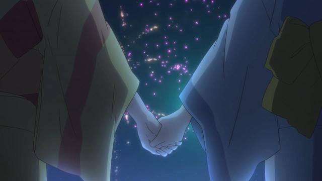 holding hands fireworks